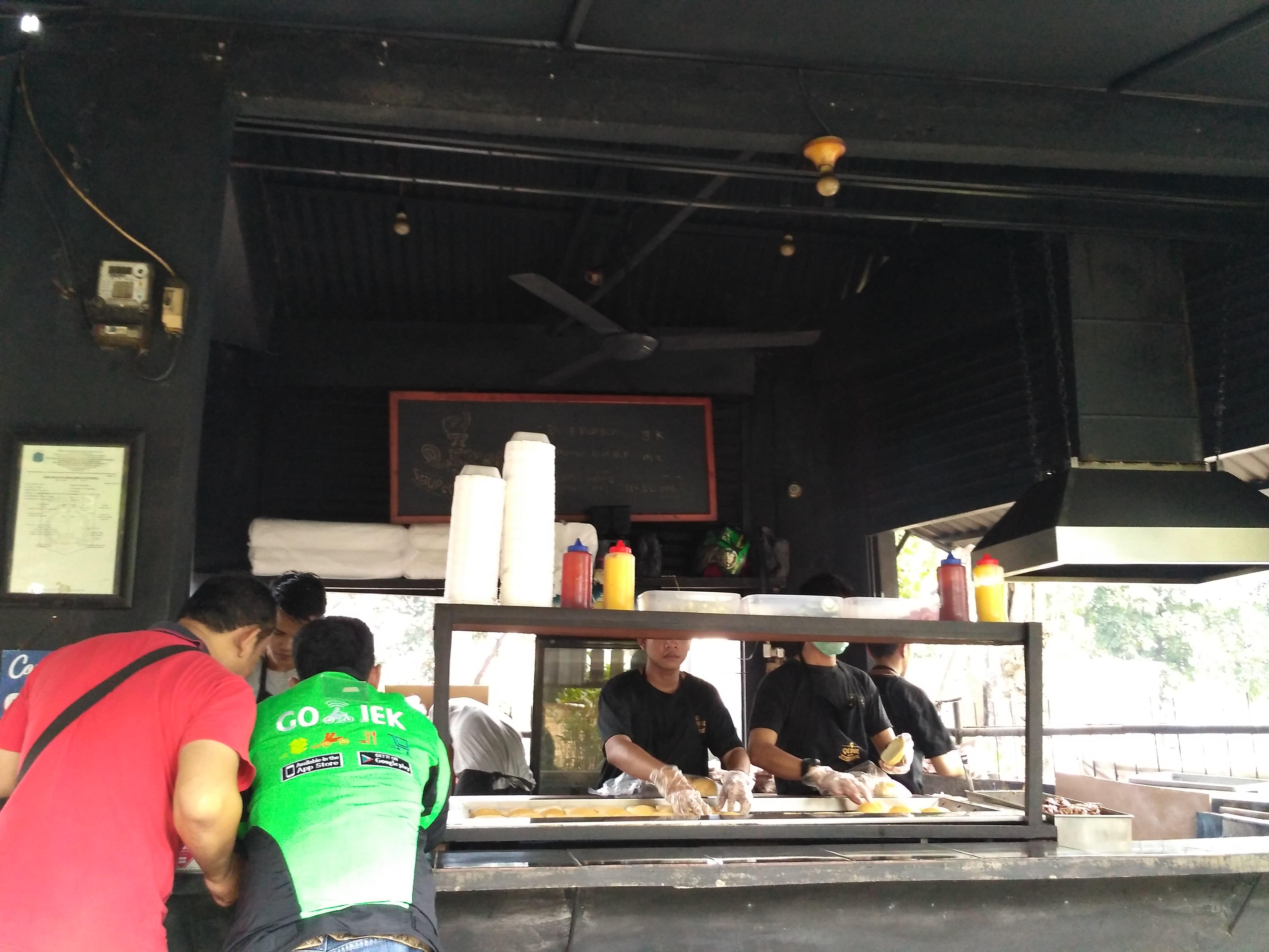Cerita Dibalik Susksesnya Burger Bakar Qebul