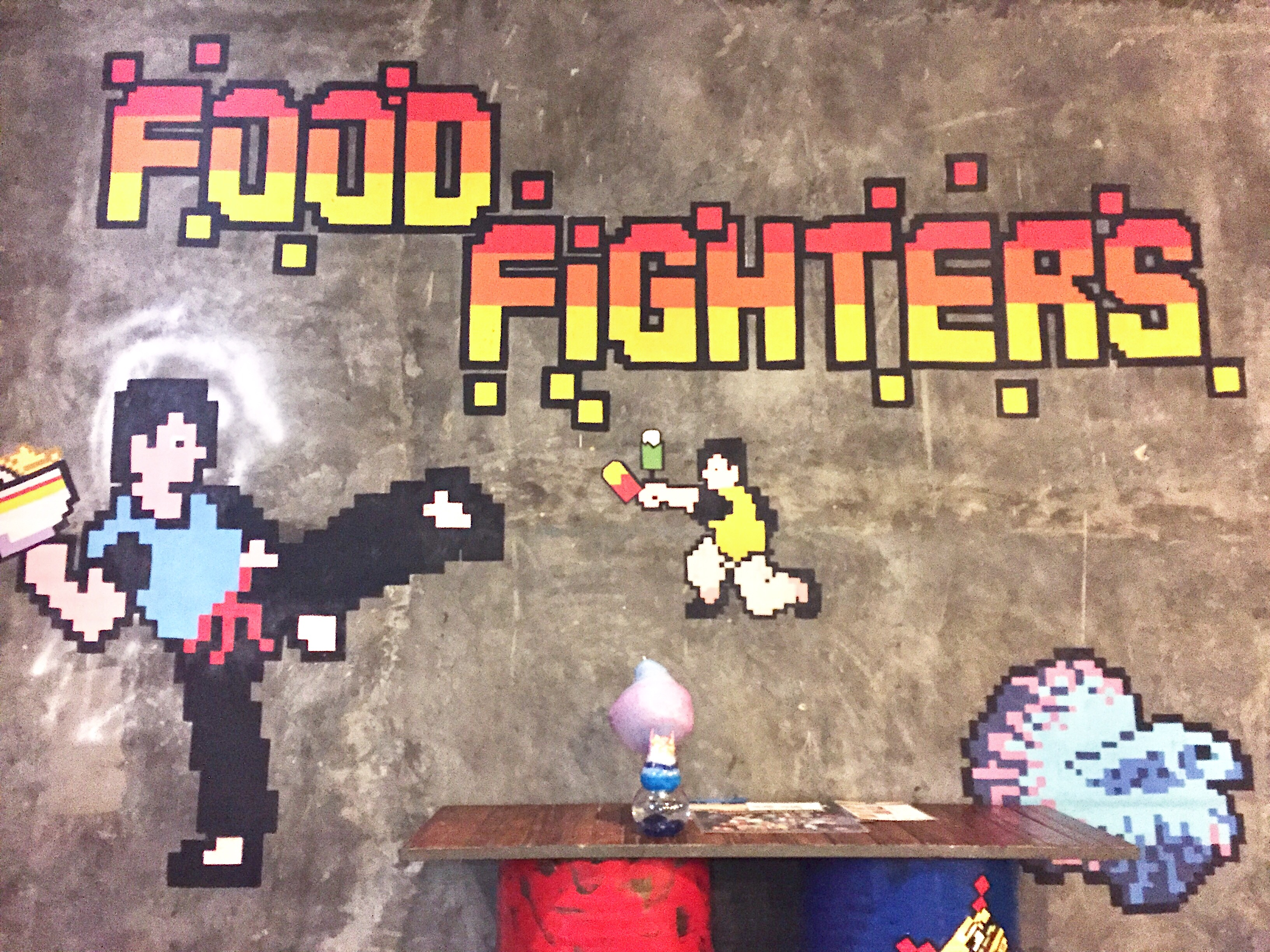 Kuliner Bernuasa Pixels ala Food Fighters
