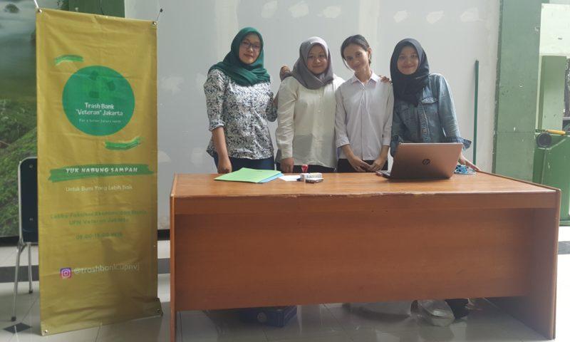 Program Trash Bank UPNVJ, Terobosan Mahasiswa FEB Berdayakan Lingkungan